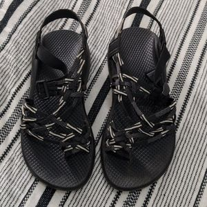 Black and White Chaco's